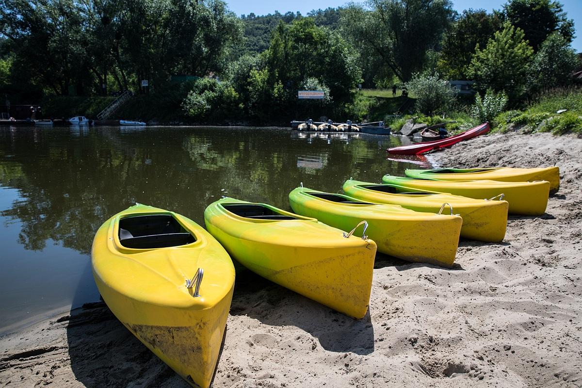 Baza w Kazimierzu otwarta! Motorówki na wodzie, kajaki w gotowości :)